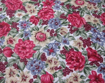 Vintage sewing cotton , ROSES fabric,  floral cotton, summer quilt, vintage dressmaking summer garden