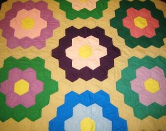 Antique  quilt GRANDMOTHERS GARDEN 1930s vintage patchwork