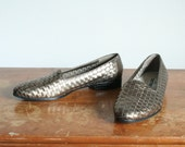 size 9 1980s vintage metallic bronze woven leather flats, eur 40