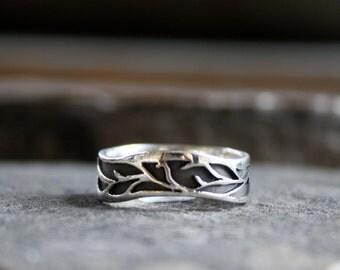 Lovely vine organic silver ring