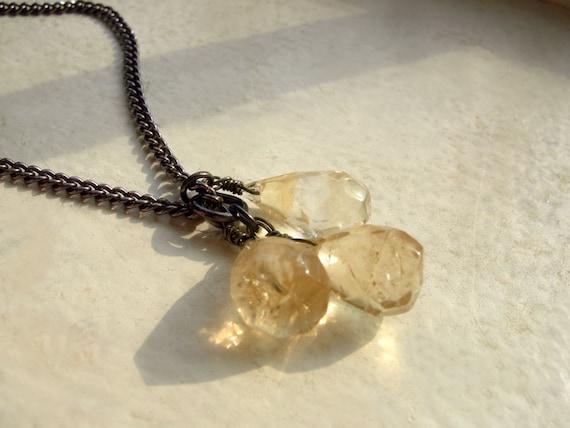 Citrine Briolette Cluster Necklace and Earring Set - Citrine Pale.