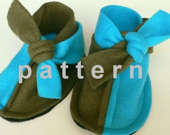 baby booties pattern - super easy sewing tutorial in english and spanish - non kick off baby shoes