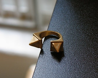 Horus Double Pyramid Ring
