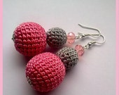 Strawberry ice-cream earrings made of crocheted and crystal beads