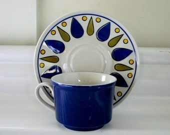 Vintage Modern Cup And Saucer Set Of Four