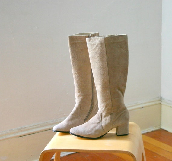 knee high pale grey suede boots size 8 5