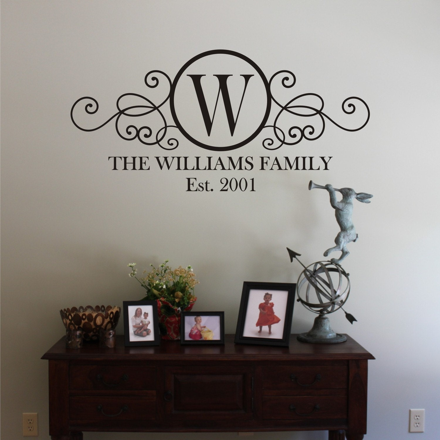 large swirly circle family monogram vinyl wall decal. Black Bedroom Furniture Sets. Home Design Ideas