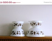 HURRY -- ON SALE 4 vintage Pyrex mixing nesting bowls in Early American