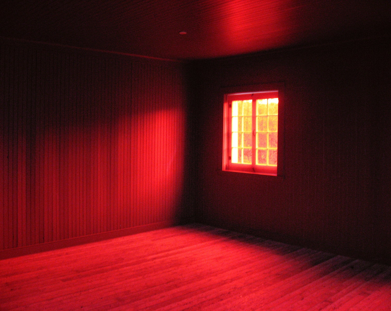 essays on the red room It is not rare to encounter effective and incisive uses of space within nineteenth century literature the famous novel _jane eyre_ by charlotte brontë is one of the.