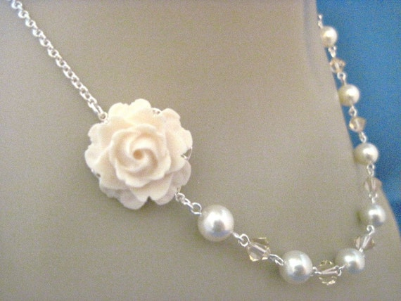 Bridesmaid Jewelry Peaches and Cream Rose and Pearl Bridesmaid Necklace