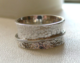 Silver Meditation Band - Hammered and Tapered with One Spinner Ring