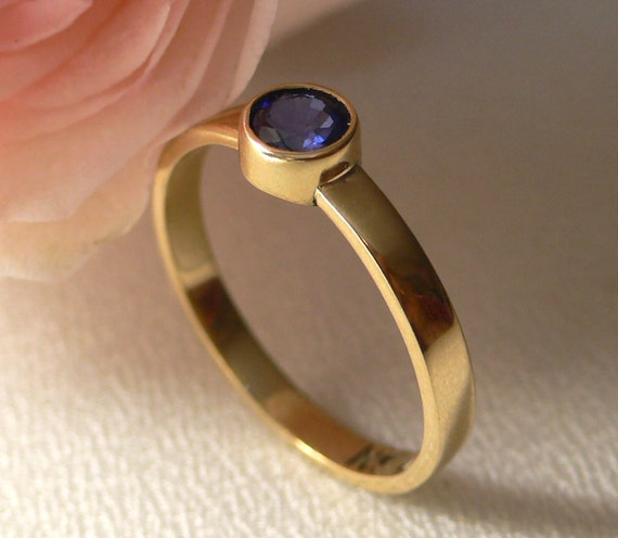 14 Karat Gold Classic Band with Sapphire