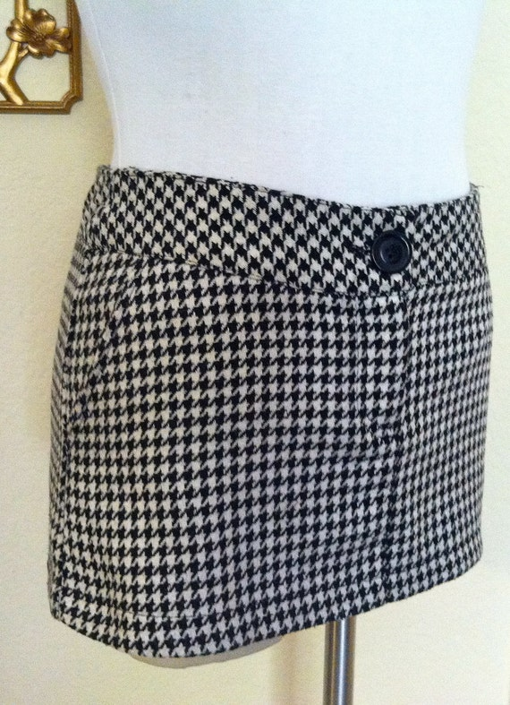 SALE Mod Super Mini Houndstooth Skirt