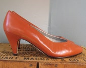 Newport News Heels, Burnt Orange Pumps, Tiny Feet, Size 5W, Ladylike Heels, Small Heels, Orange, Dark Orange, Pumps