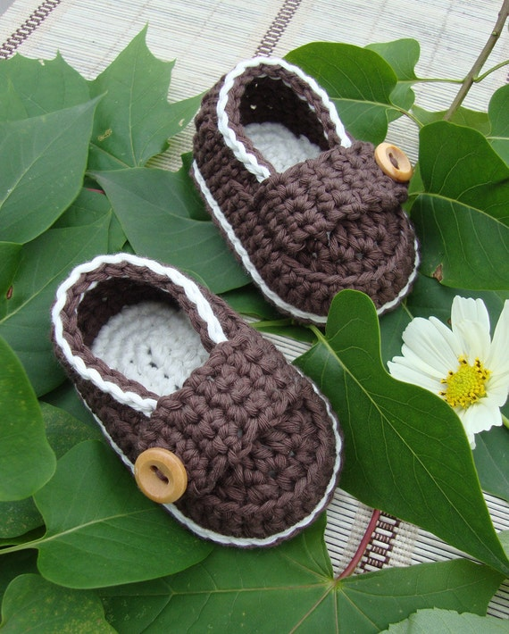Crochet Baby boy booties little loafers shoes cream and chocolate size 0/3M with gift box ready to ship