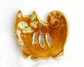 Yellow Cat (Soap Dish - Wall picture)