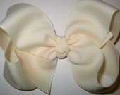 Ivory Hair Bow, Cream Hair Bow, Off white Bow, 4 5 inch Hairbows, Big Bows, Girls Hairbow, Large Boutique Bow, Toddler Bow, Classic Bow, 45G