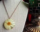 Large White Daisy Pendant Necklace