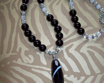 Agate Pendant with Pearl bead necklace/gg