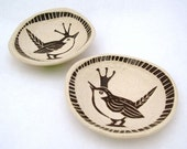 Wren with Lovely Crown Bead Dish