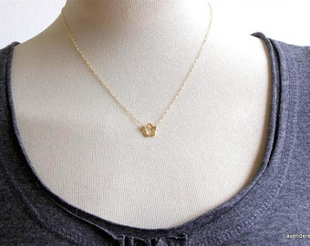 Gold Flower  Necklace , Gold Necklace  , Daisy Flower Charm , Simple Everyday Jewelry