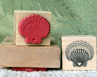 Small Scallop Shell rubber stamp from oldislandstamps