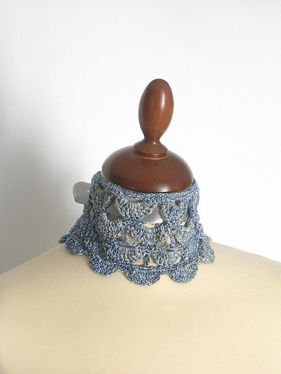 Turquoise Blue Lace Collar