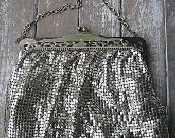 Vintage Whiting and Davis mesh bag, silver with chain handle, mirror inside, lovely evening bag art deco mesh bag, collectible Whiting Davis