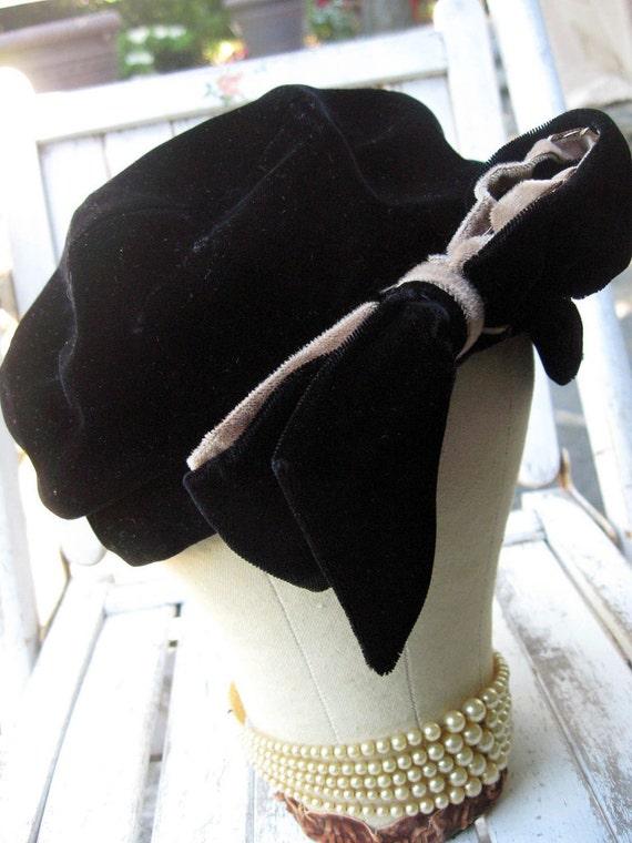 Vintage hat, black velvet with bow, ladies/women's hat