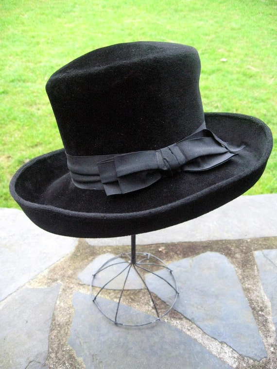 REDUCED.....  Vintage ladies women's hat, wool felt Borsalino, Nordstrom Best, chic steampunk made in Italy.