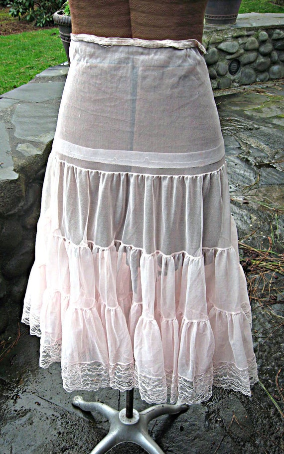 Vintage ruffled petticoat/crinoline, light pink, tons of ruffles