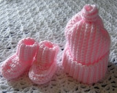 Light pink cap and booties