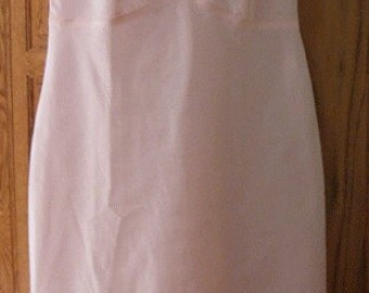 Vintage SNIP-IT Light Pink Full Slip Size 32