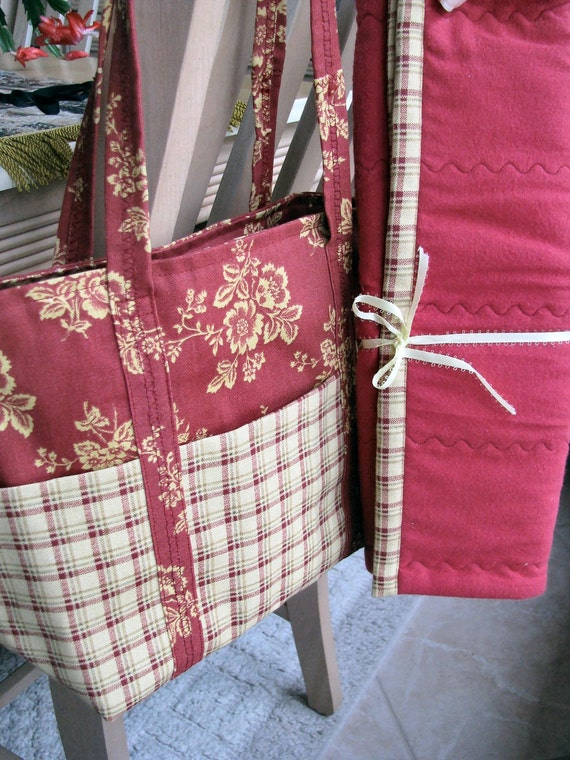 CLEARANCE Nana's Tote/Diaper Bag with Matching Diaper Changing Pad