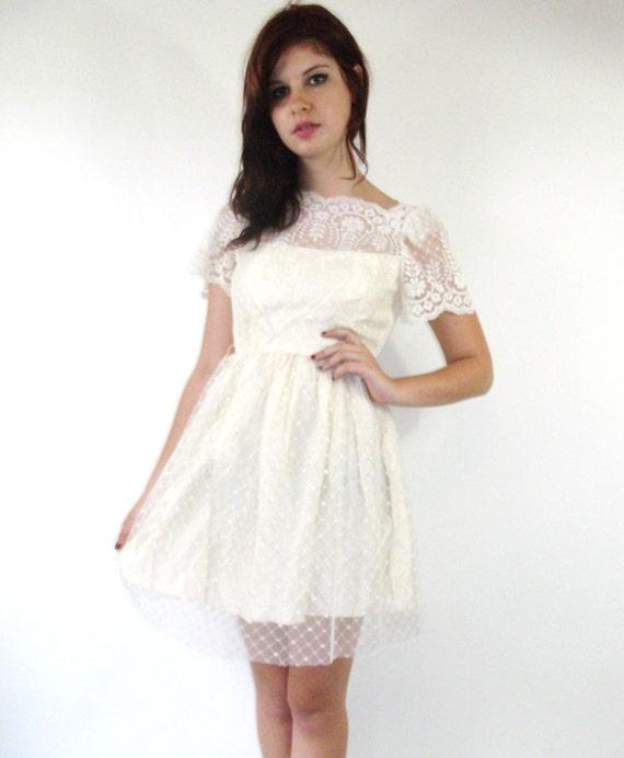 Vintage 70s White Scallop Lace Mini Party Dress
