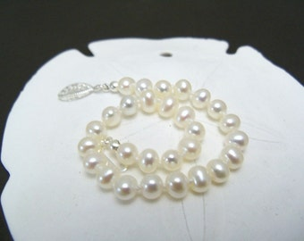 Set of 6 White freshwater pearl bracelets and stud earrings  6mm knotted on white silk with silver plated filigree clasp