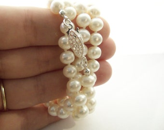 White freshwater pearl wrap bracelet or necklace AA grade 5-6mm knotted on white silk with silver plated filigree clasp