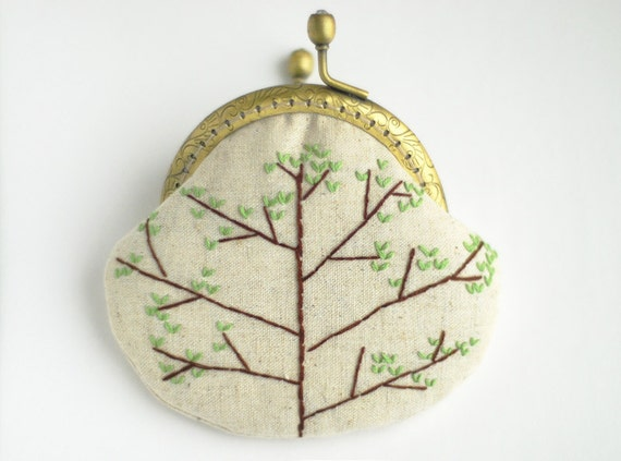 Spring buds Heart Tree Embroidery Purse (Metal Frame) green