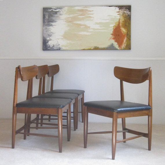 reserved for Donna . circa 1950s set of FOUR DINING CHAIRS. Hans Wegner era.