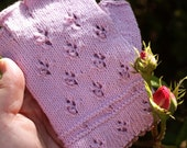 pale pink fingerless gloves with beads