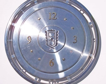 Ford Hubcap Clock, LTD, with numbering  (h hub cap)