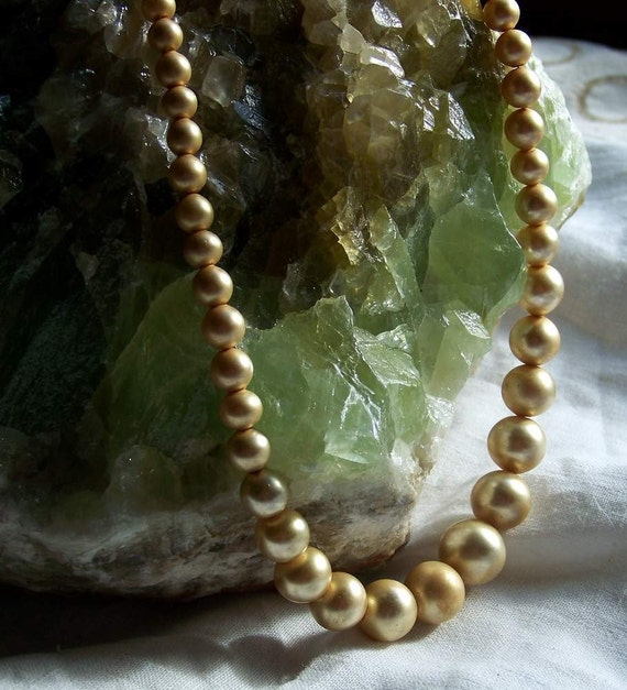 REDUCED IN PRICE Pearly drops Vtg Pearl Necklace with Silver  and Pearl Clasp. Gift Box