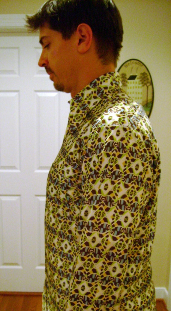Disco Nylon Shirt Late 1960's or Early 1970's  Medium  15 - 15 1/2 Vintage Mens or Womens