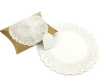 "8"" White Round Paper Doilies (25)"