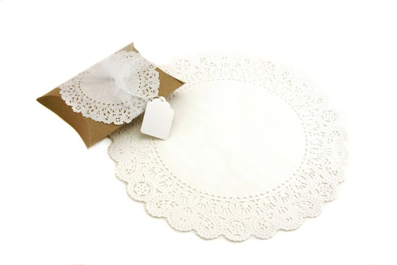 "12"" White Round Paper Doilies (100)"
