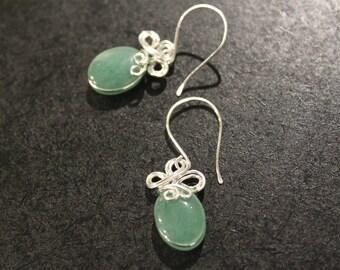 Elegant Dangle Swirl . Green Aventurine . Silver Wire Wrapped . Earrings