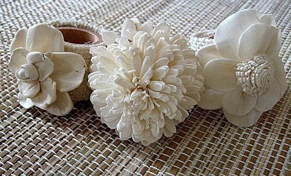 IN BLOOM - Set of 6 elegant, sola flower, napkin rings. houseofpeltier
