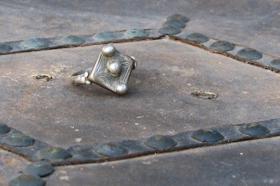 Old Traditional Incised Fulani Silver Ring Large Size