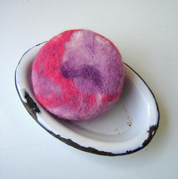 Wool Felted Soap Bar / Eco Friendly Exfoliating Scrub / Lavender Soap Vegan Friendly