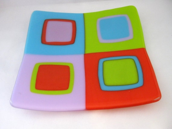 Twister glass sushi dish, modern decor plate in neon colors, geometric design